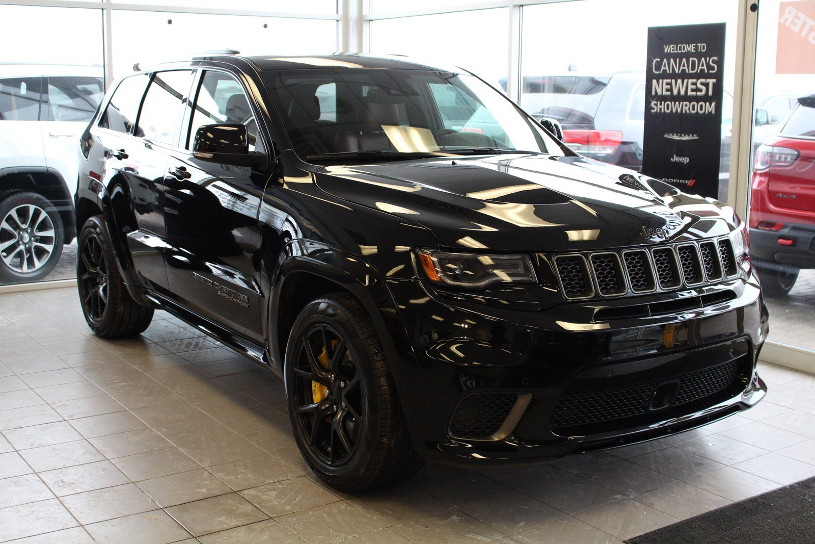 new 2018 jeep grand cherokee trackhawk sport utility in london 8 7018 south west chrysler. Black Bedroom Furniture Sets. Home Design Ideas