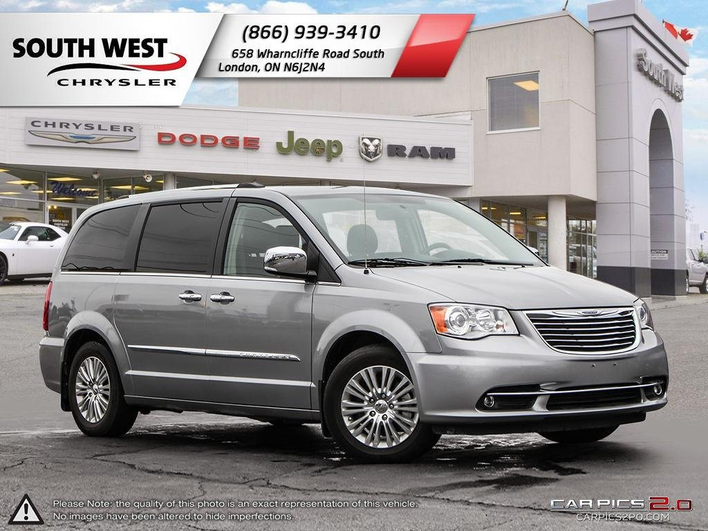 Pre-Owned 2015 Chrysler Town & Country | Limited | GPS | Heated Seats & Wheel