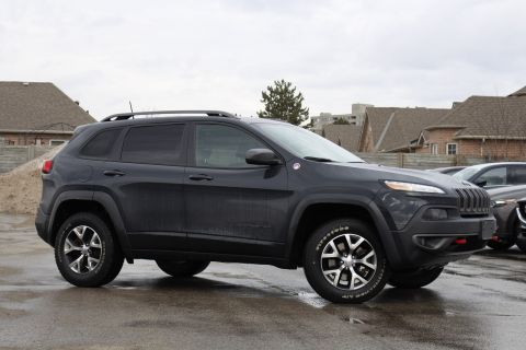 Pre-Owned 2016 Jeep Cherokee | Trailhawk | Leather | Dual Pano Roof | Parksense | Heated Seats & Wheel
